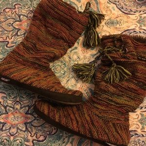 Muk Luks tall ladies size 8 to 8 1/2 boots